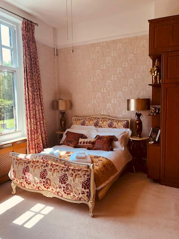 Two bed Family Suite at Peak manor