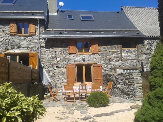 LUCHON  A 2 MN CHALET GRANGE 4* - Antignac - Haus