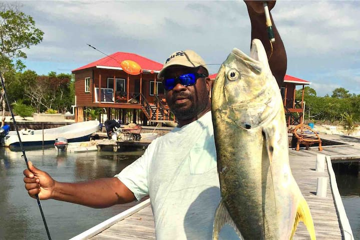 Private Island Belize Fishing & Diving - King Bed!