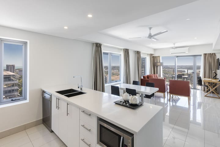 2 Bed 2 Bath with Harbour Views