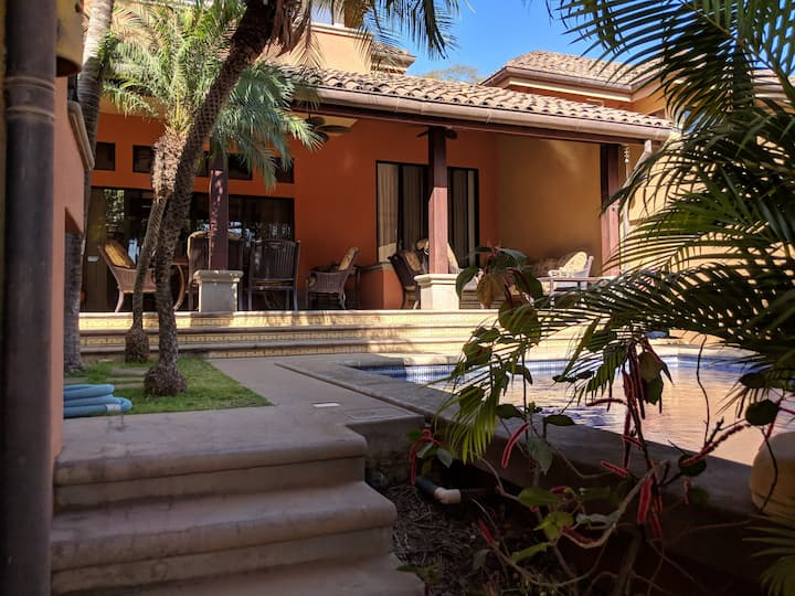 Casa Calico Luxury Villa 200m from the Beach!