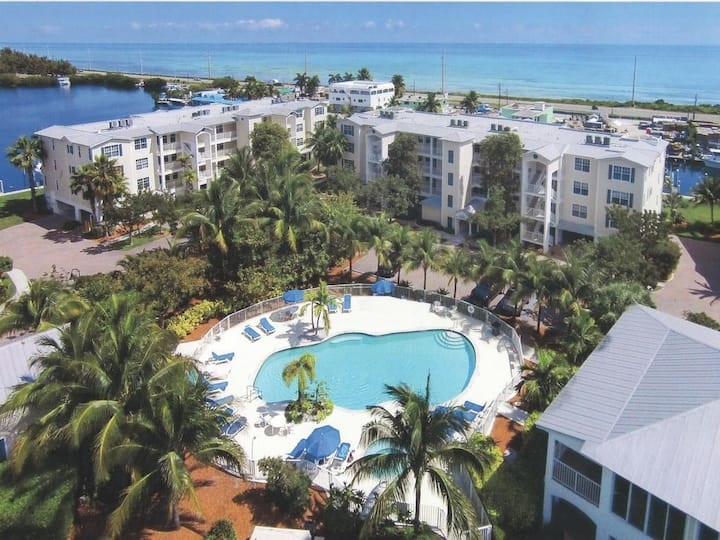 Bay Harbour Islamorada Condo w/ dock 2/2.5 views!