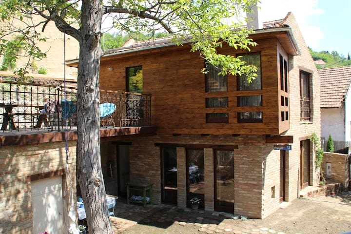 Cirfandli Guest House