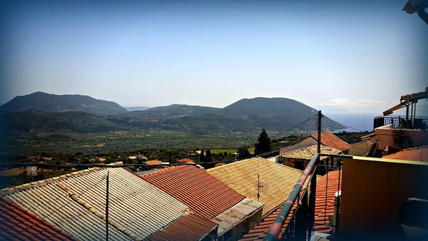 Beautiful duplex, rustic charm  & modern comforts - Agios Petros - Hus