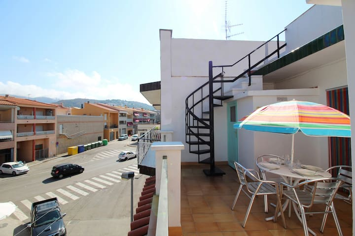 2027-POETA MARQUINA Apartment with 2 bedrooms