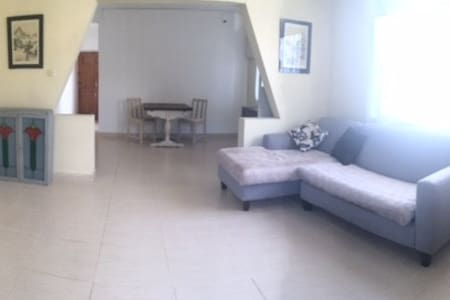 Spacious Holiday Apartment - 霍尔敦(Holetown) - 公寓