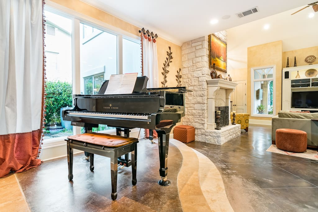 Play your heart out on this grand piano