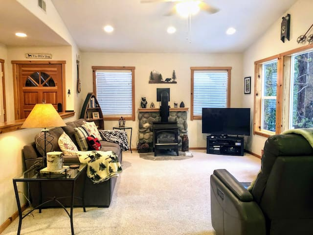 Tahoe Donner 2 Bd/2Ba Condo with Forest Views