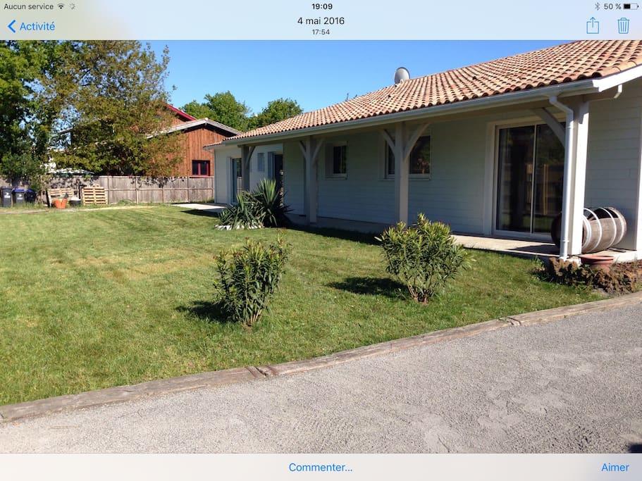 Maison contemporaine avec piscine maisons louer l ge for Maison a louer cap ferret avec piscine