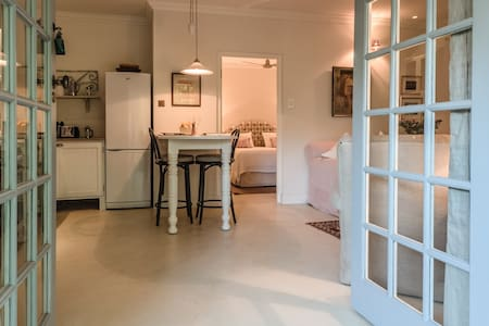 charming french country cottage - Franschhoek - Bungaló