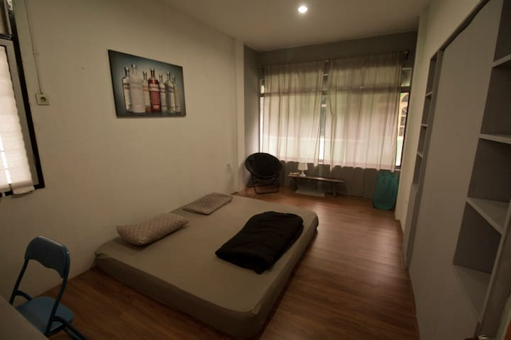SUPER COZY LOFT IN CITY CENTER! - Sumatera Utara, ID - House