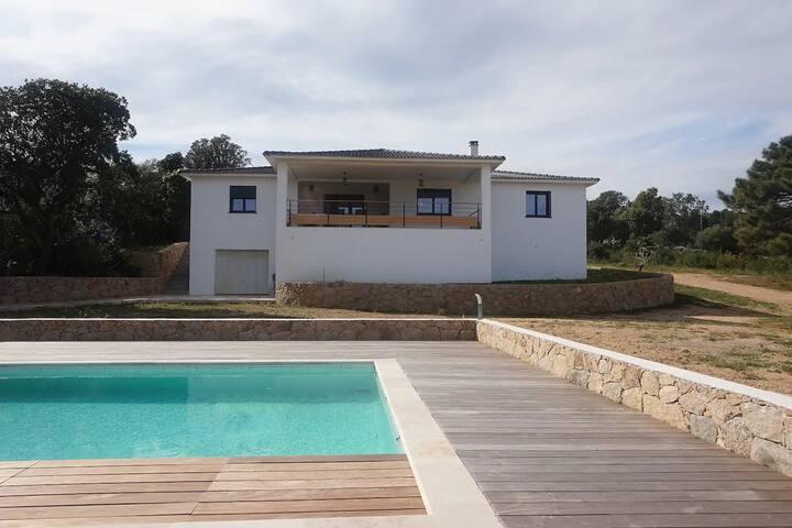 villa corse avec piscine