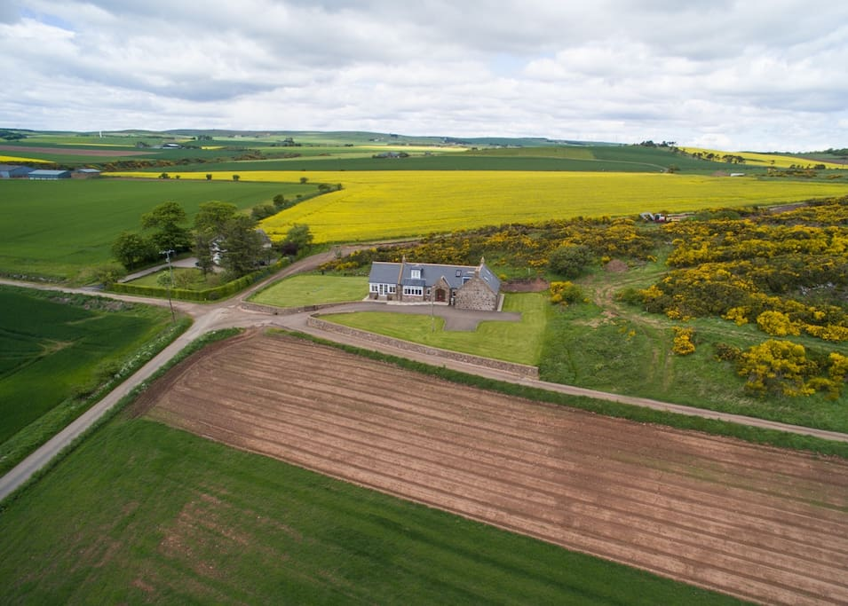 Higher aerial view of Lilybank