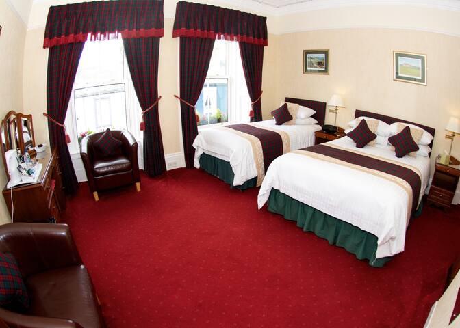 Daviot House - Room 3 Family Room