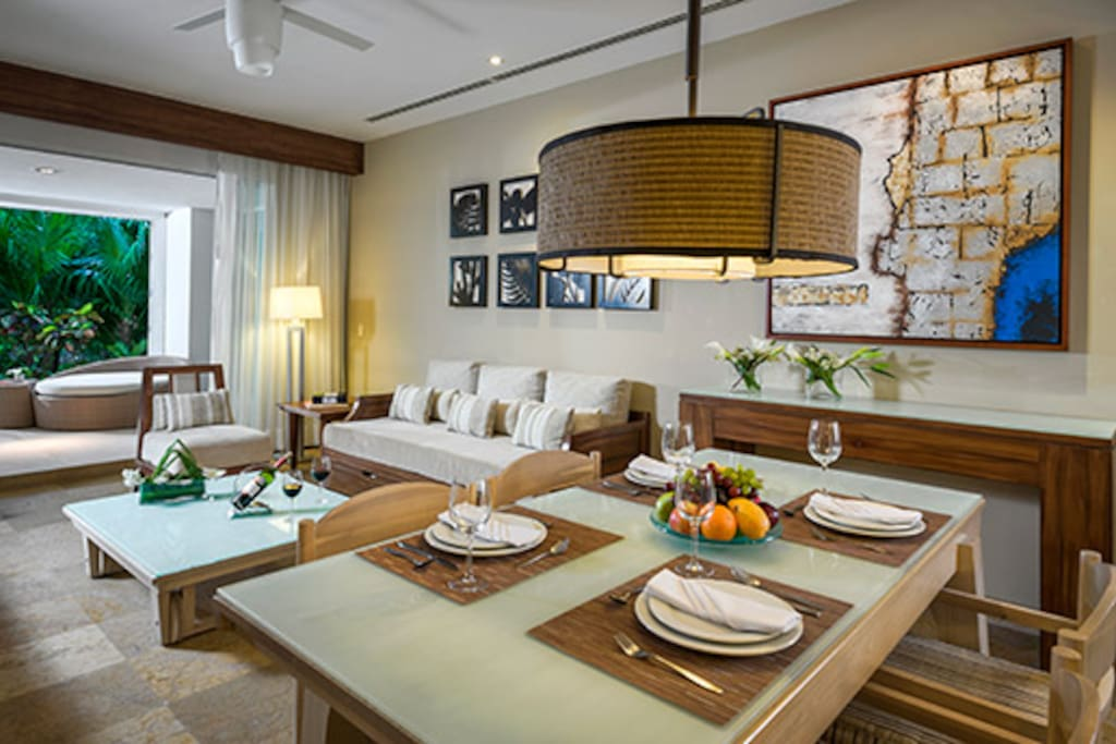 Beautiful decor, spacious & roomy (Nuevo Vallarta)