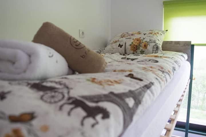 Fantastic Mattress 4 Bunk Beds Nature Hostels For Rent In Sumadijski Okrug Serbia