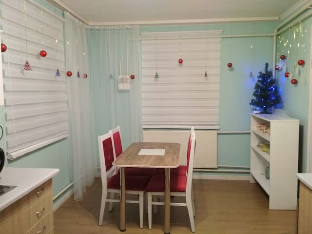 Дом возле г.Ровно Украина