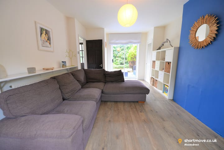 Comfy home | Sleeps 6 | City Centre | Kitchen