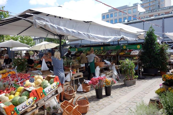 Trovehallerne/Cph food market