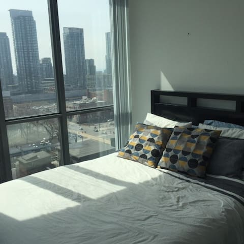 Two bedrooms, each with Queen beds and great views