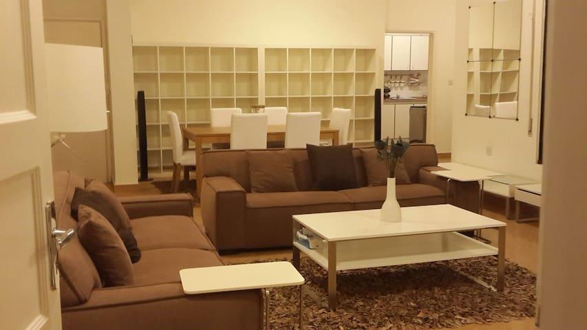 Charming Furnished Floor in a Villa - Amman, Jubeiha , next to Princess Basma Palace - Apartment
