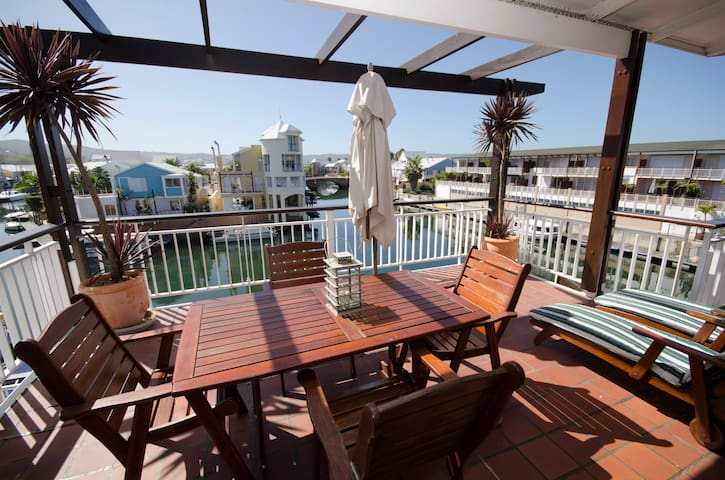 2 Bedroom Luxury Waterfront Apartments