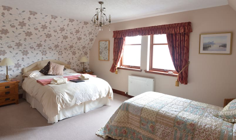 Home Farm Bed and Breakfast - Muir of Ord - Pousada