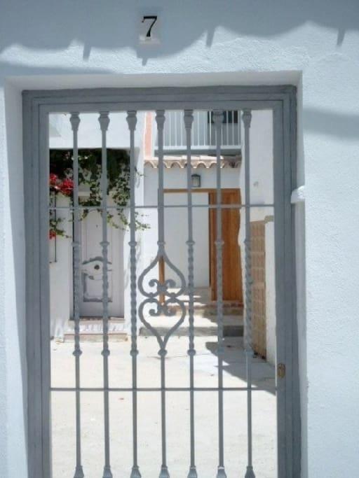 So kommen Sie an in der Calle Cadiz 7