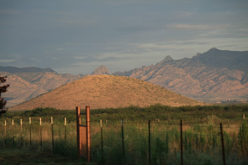 Hummingbird Ranch has spectacular 360 degree mountain views & distant views of 2 National Parks from Ranch. The Cochise Stronghold National Forest & The Chiricahua National Monument