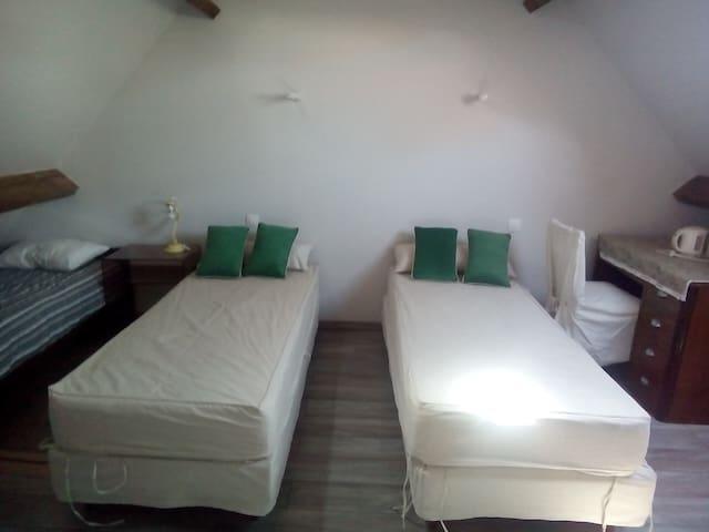 Chambres 2à 5 pers/vallée de l'Eure - Meslay-le-Grenet - Hus