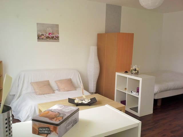Appartement lumineux avec balcon - Caen - Lägenhet