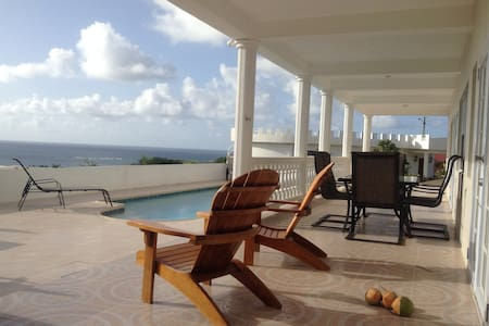 Private, new/luxurious, heated pool, AC, cook. - Vieux Fort
