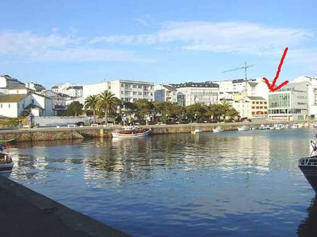 1ª linea de playa y Pto Deportivo - Foz - Apartment