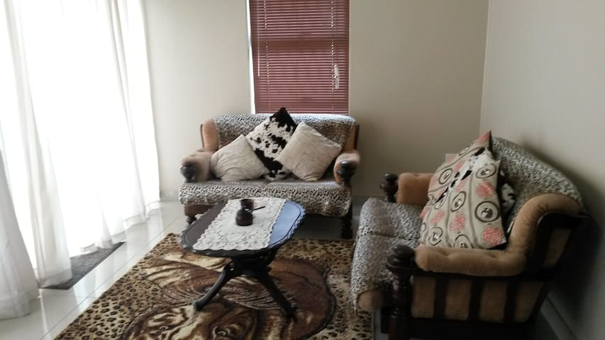 Intaka Guest House - Self catering 2 bedroom house