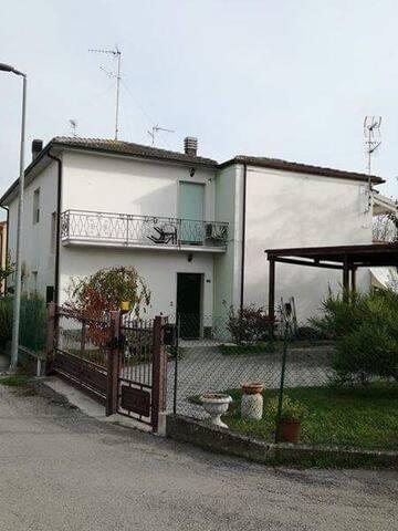 Casa A Pontelangorino