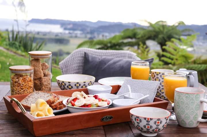 WoodyHanger Lodge - luxurious romantic Getaway