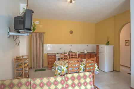 Sea Breeze Holiday Apartments - Munxar - Apartment - 1