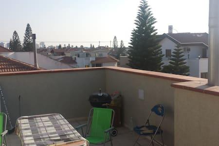 Top Floor of Beatiful Family Home - Lejlighed