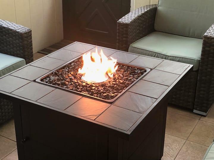 Fireside Retreat Resort Home~ Walk to Lake/Beach!
