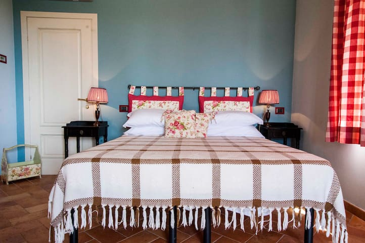 Tuscany: double room with pool - Capannori - Bed & Breakfast