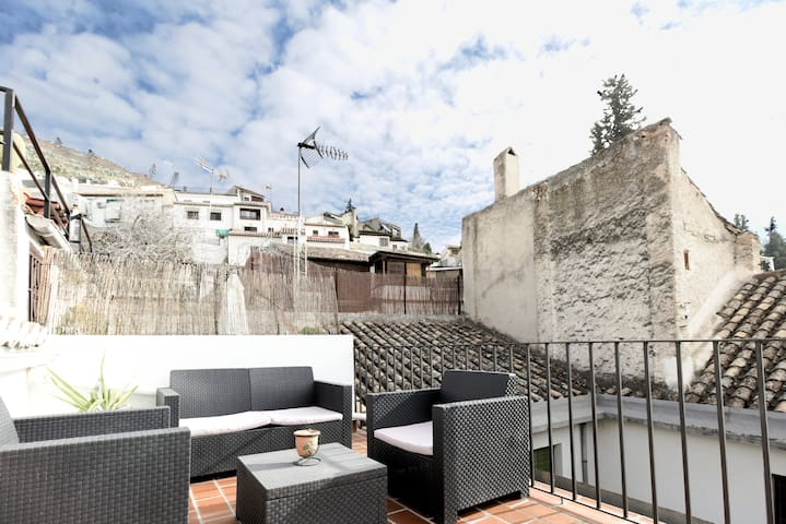 Duplex Terrace Alhambra with Parking