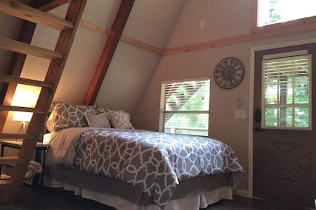 Newly Remodeled Cabin Retreat - Casa
