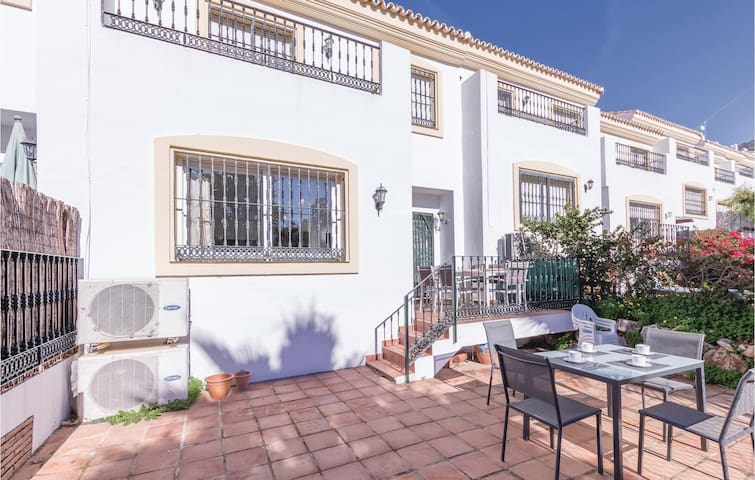 Terraced house with 3 bedrooms on 105m² in Alhaurin El Grande