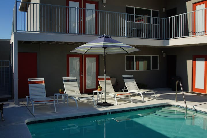 Private Cozy Desert Hot Springs Spa - Desert Hot Springs - Bed & Breakfast