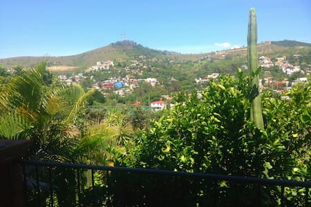 Private bedroom with lovely view! - San Felipe del Agua - Haus
