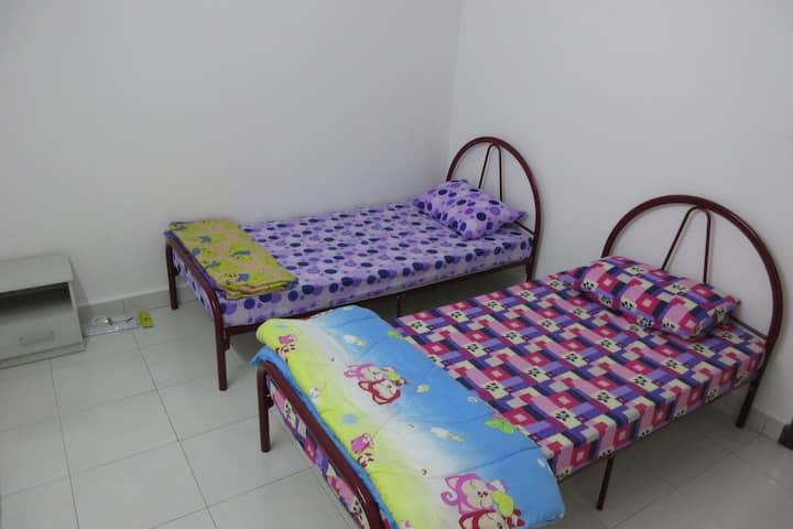 2 Single Bed @ Simple Life