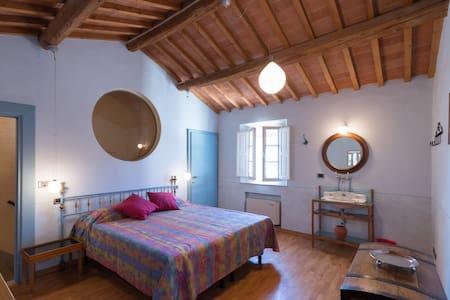 CASINA DI CECCO E DELLA GIULIA - Montecatini Terme - Apartment