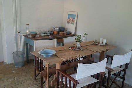 Hyggeligt familierum tæt ved strand - Tversted
