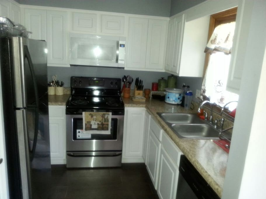 Fully loaded kitchen with new appliances