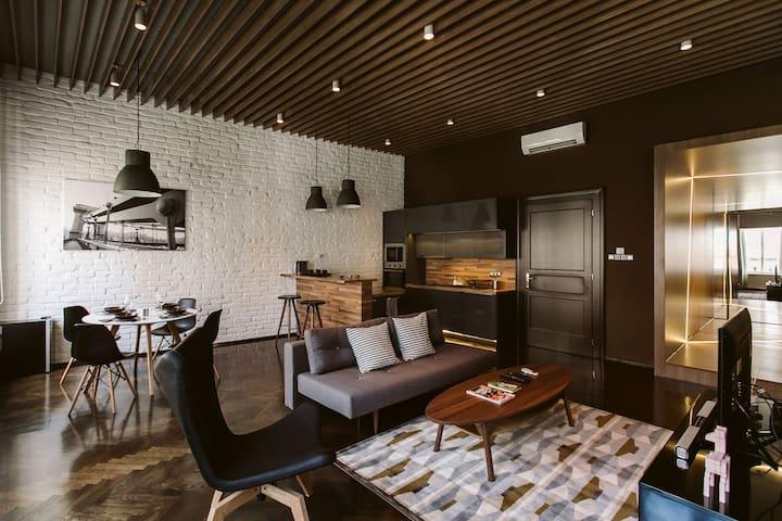 GRAND ASTORIA - stylish luxury